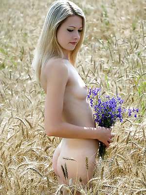 just-nude  Ilona  Natural, Model, Blondes, Softcore, Erotic, Seduce