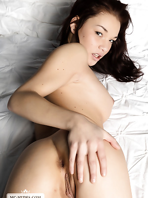 mc-nudes  Nici Dee  Solo, Young, Teens, Legs, Softcore, Erotic, Beautiful