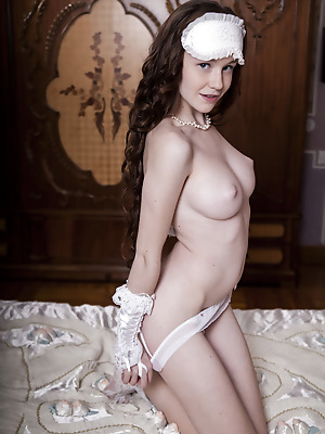 metartmoney  Emily Bloom  Erotic, Softcore