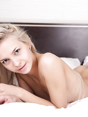 metartmoney  Leonie  Beautiful, Pussy, Erotic, Softcore