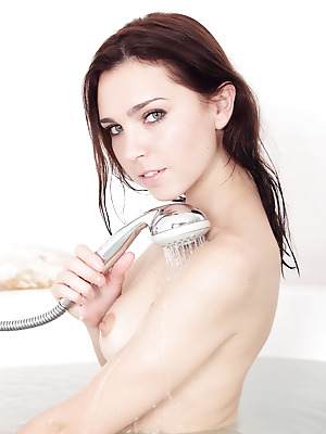 metartmoney  Oliviana  Erotic, Softcore, Bath, Shower