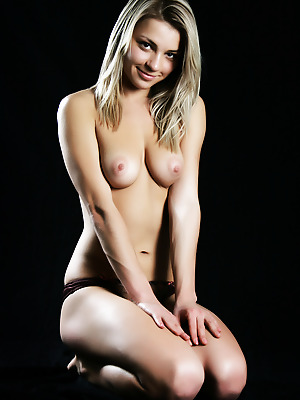 metartmoney  Katy N  Blondes, Erotic, Softcore