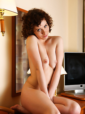 truebeautycash  Renata  Pussy, Amateur, Curly, Erotic, Teens, Shaved, Solo