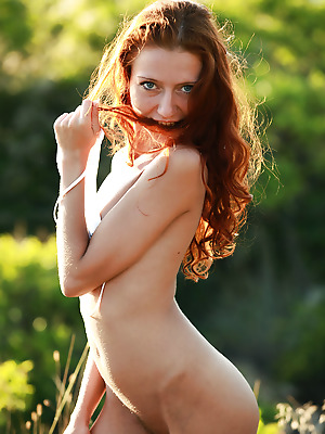 truebeautycash  Kesy  Amateur, Red Heads, Curly, Petite, Erotic, Outdoor, Teens, Striptease, Solo