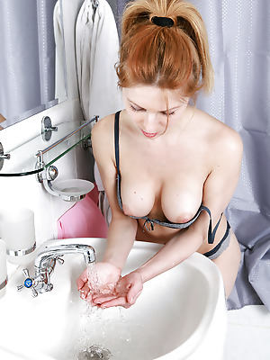 truebeautycash  Yara  Amateur, Red Heads, Erotic, Bath, Shower, Solo, Teens